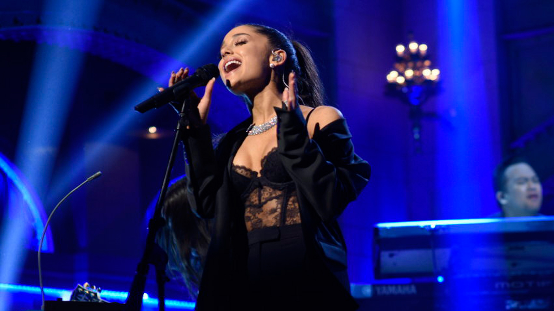 """Ariana Grande's """"One Last Time"""" Song and Music Video Hit #1 on the UK  Charts in Honor of the Manchester Bombing Victims – Arts + Culture"""